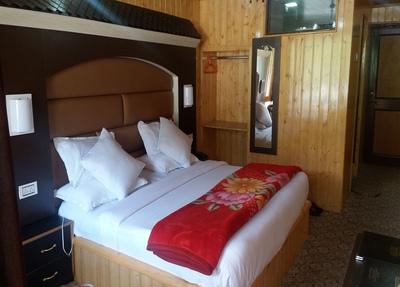Sonamarg Hotel